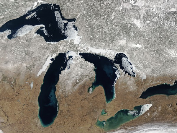 Satellite image of spring thaw in the Midwest US.